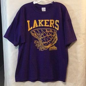Men's Lakers T-shirt Size XL